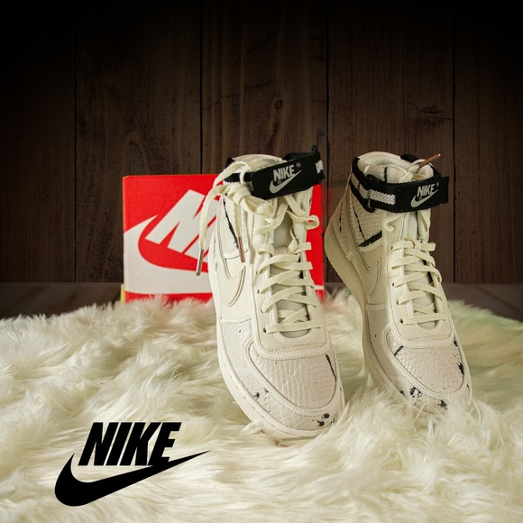 Nike Shoes - Nike Vandal Hi LX